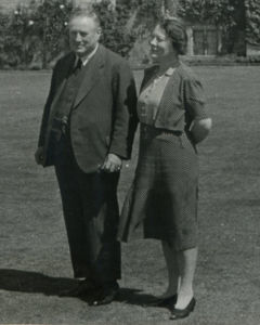 Arthur and Gertrude Findlay